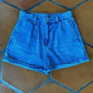 American Eagle High Rise Mom Pleated Jean Shorts 0